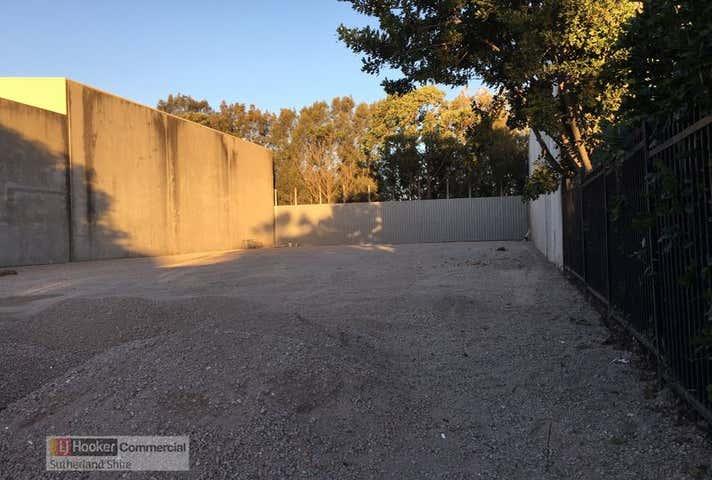 33 Mangrove Lane Taren Point NSW 2229 - Image 1