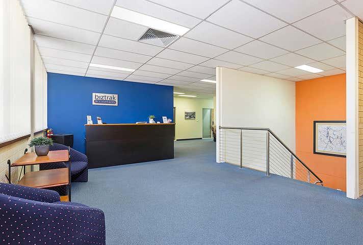 1st Floor/320 Urana Road Lavington NSW 2641 - Image 1