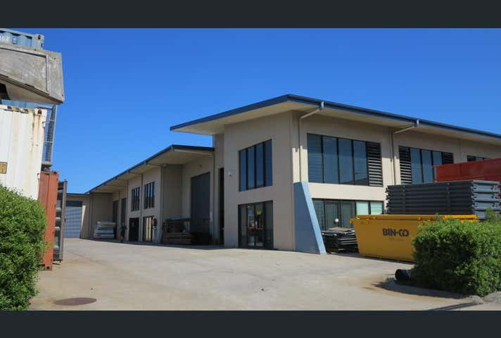 1 & 2/8 Premier Circuit Warana QLD 4575 - Image 1