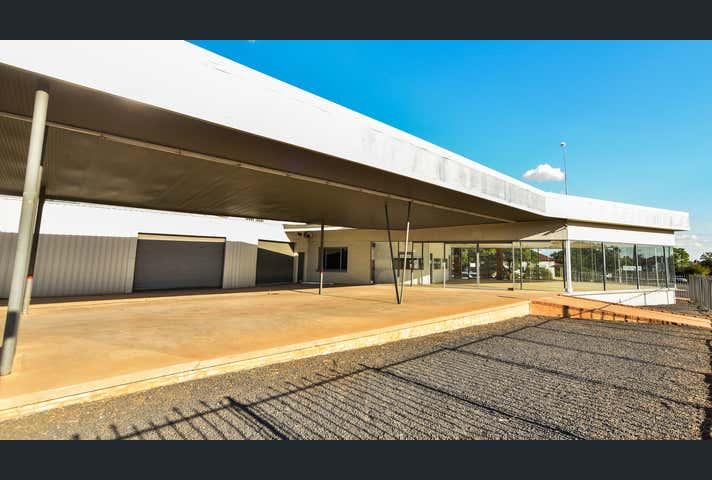 375-379 Clarinda Street, Parkes, NSW 2870