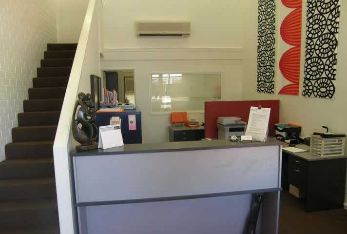 leased office in bardon qld 4065