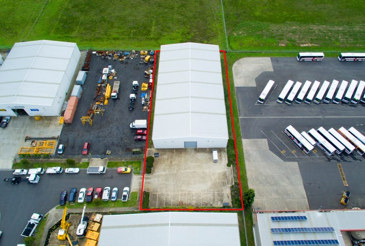 24 Industrial Place, Breakwater, Vic 3219