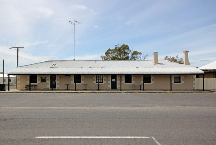 Tantanoola Tiger Hotel (Business Only), 1 Railway Terrace East, Tantanoola, SA 5280