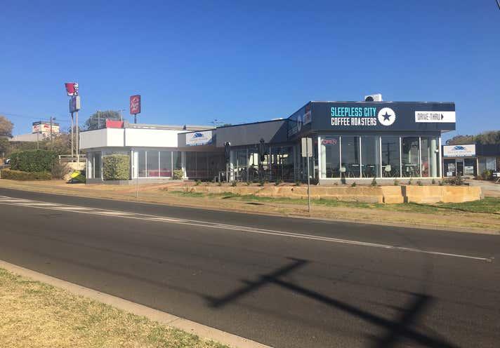 2-4/360 Stenner Street Kearneys Spring QLD 4350 - Image 2