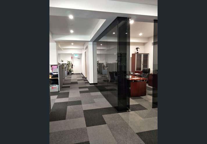 60 Newheath Drive Arundel QLD 4214 - Image 2