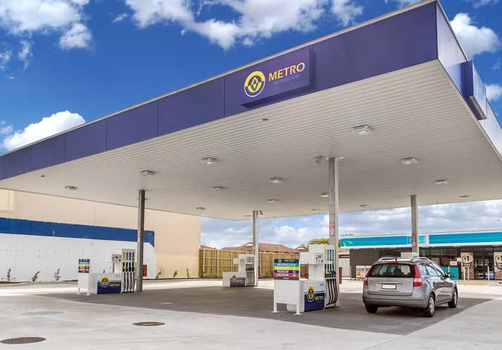 Metro Petroleum, 323 River Street (cnr Brunswick Street) Ballina NSW 2478 - Image 2