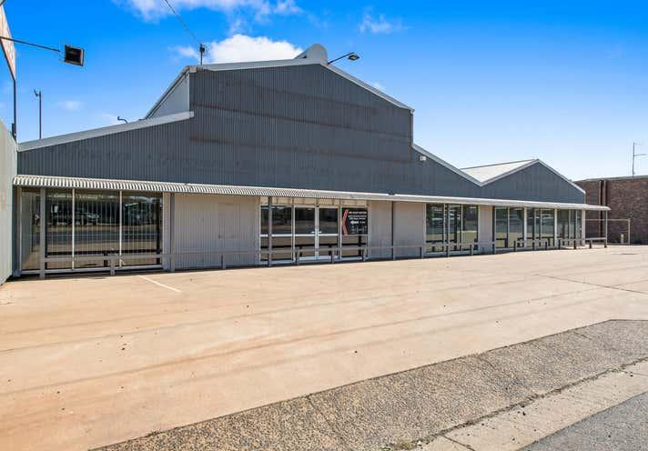 203 Anzac Avenue Harristown QLD 4350 - Image 1