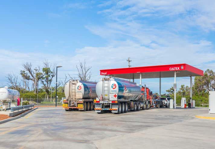 Caltex Limited, Corner Mandurah Road & Wellard Road Kwinana Beach WA 6167 - Image 2
