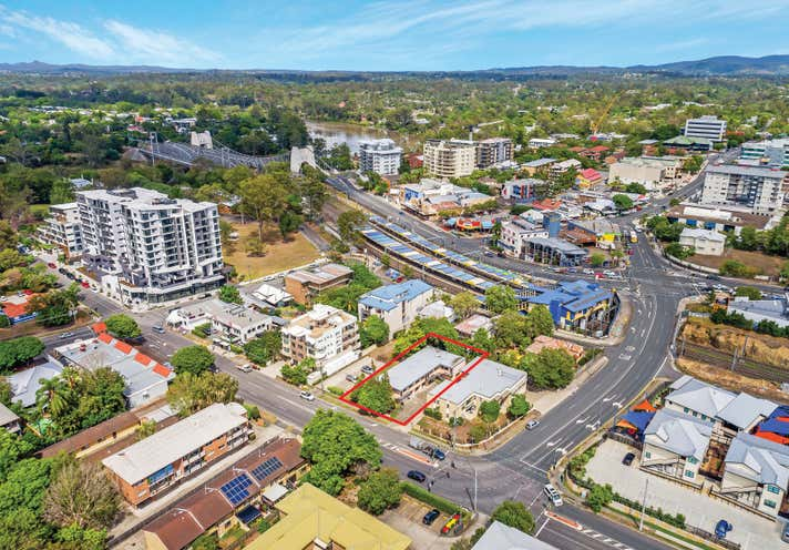 153 Clarence Road Indooroopilly QLD 4068 - Image 2