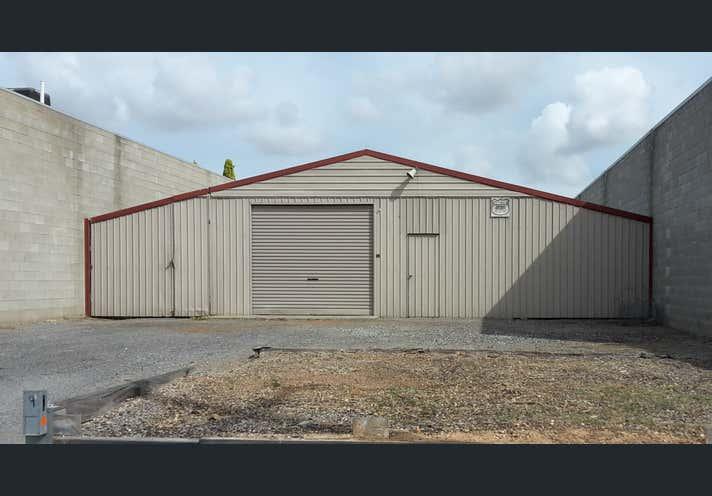 9 RAFFERTY STREET Wingfield SA 5013 - Image 1