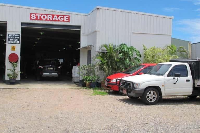 Unit 2, 3 Marshall Street Bungalow QLD 4870 - Image 1