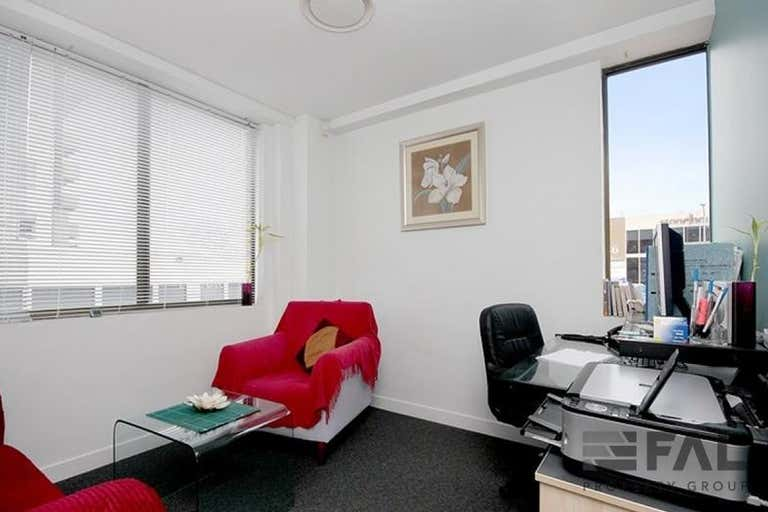 Unit  4, 37 Station Road Indooroopilly QLD 4068 - Image 3