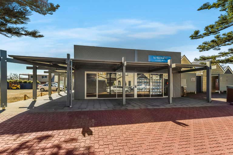 2/4 Railway Terrace Beachport SA 5280 - Image 1