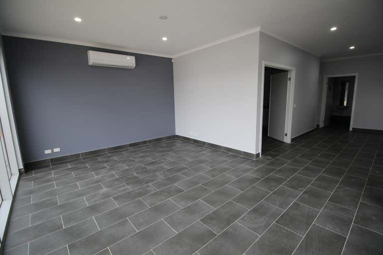 2/23-25 Malcolm Place Campbellfield VIC 3061 - Image 3