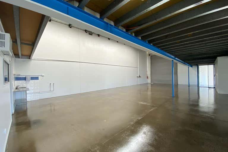 1b/15 Hutchinson Street Burleigh Heads QLD 4220 - Image 3