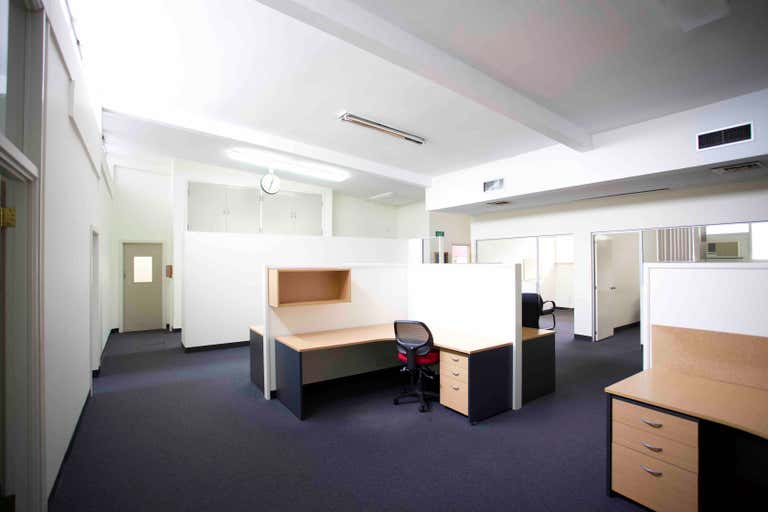 Showroom/Offices, Ground, 68 Forsyth Street O'Connor WA 6163 - Image 2
