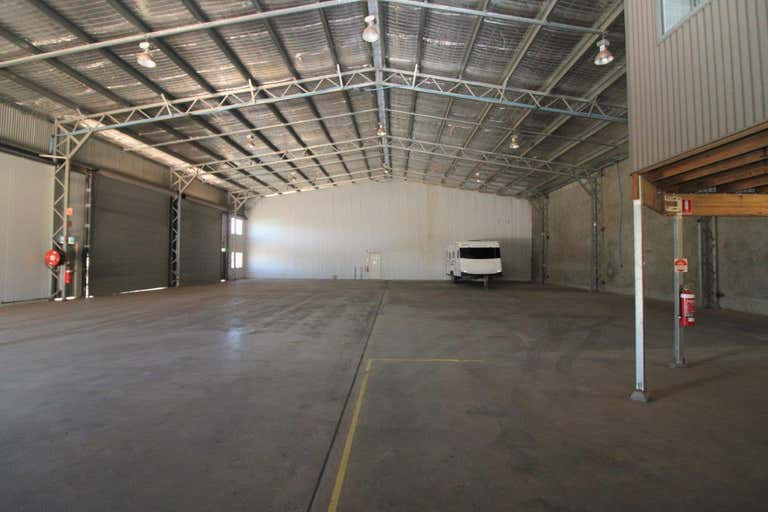 1/15 Freighter Avenue Wilsonton QLD 4350 - Image 2