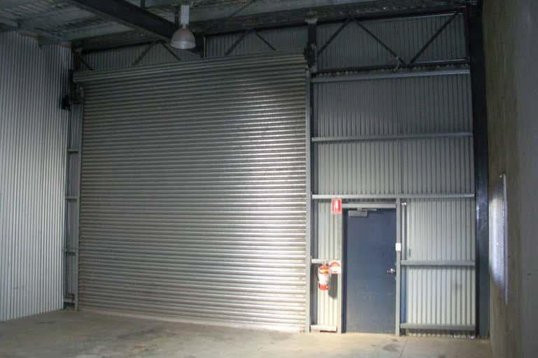 2/23 Copland Street Wagga Wagga NSW 2650 - Image 2