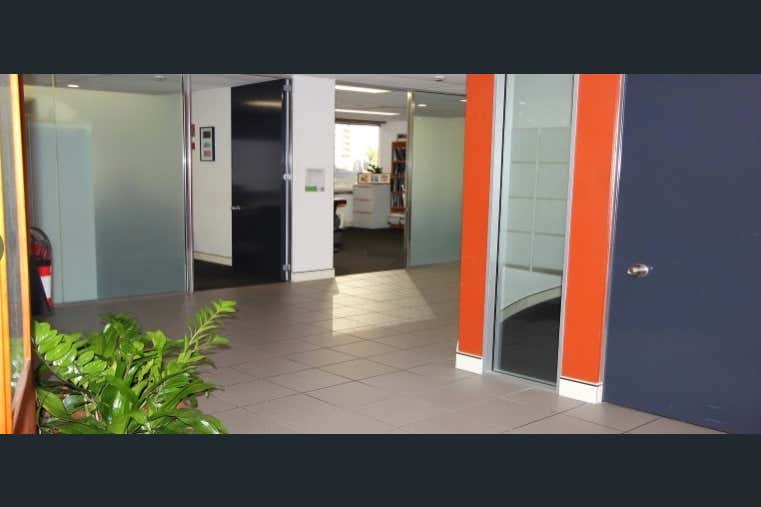 S2.02, Lvl 2/67 Astor Terrace Spring Hill QLD 4000 - Image 3