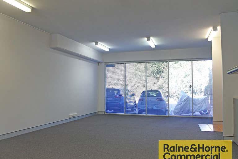 1/20 Douglas Street Milton QLD 4064 - Image 2