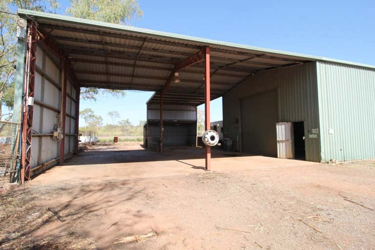 31 Old Mica Creek Mount Isa QLD 4825 - Image 3