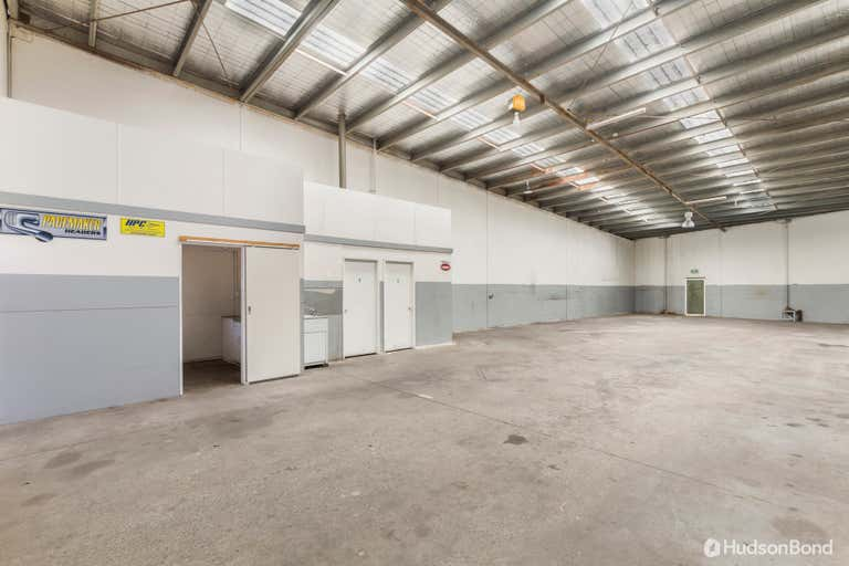 3/44 Henderson Road Rowville VIC 3178 - Image 2