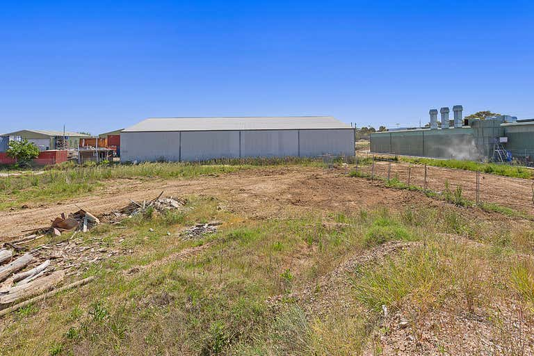 Rear/200-208 North Street North Albury NSW 2640 - Image 1