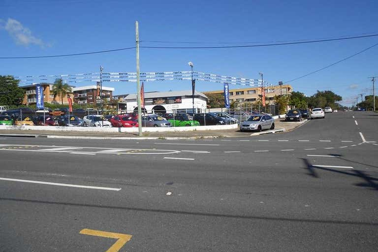909-915 Logan Road Holland Park West QLD 4121 - Image 4