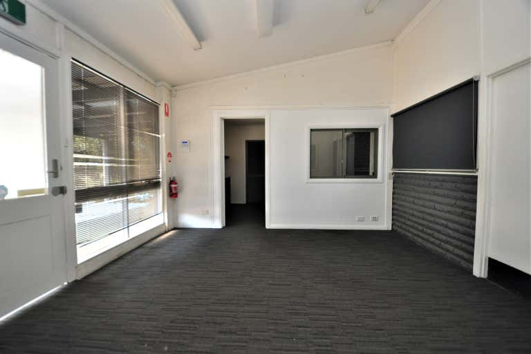 198 Strickland Road Strathdale VIC 3550 - Image 2