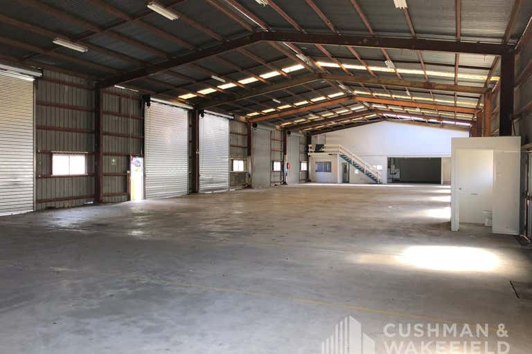 16 Hinde Street Ashmore QLD 4214 - Image 2