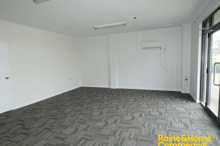 (L) Unit 3, 146 Lake Road Port Macquarie NSW 2444 - Image 3