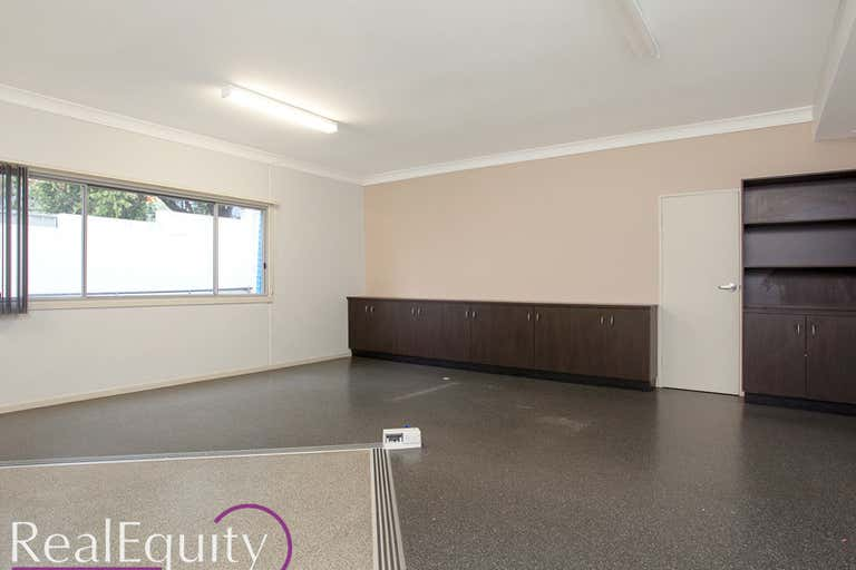 6/5 Cary Grove Minto NSW 2566 - Image 4