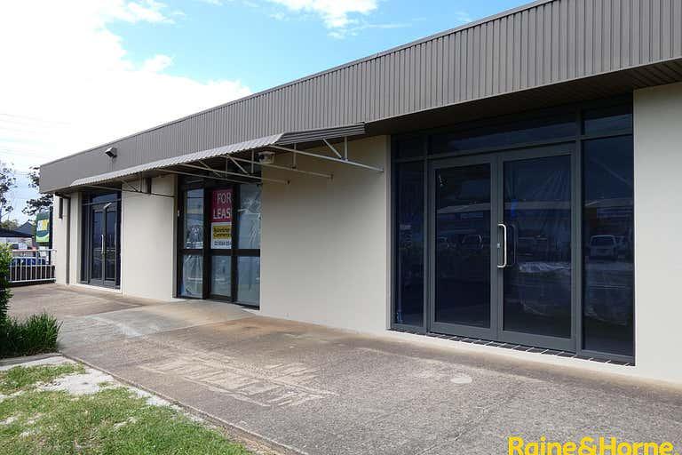 (L) Unit 3, 146 Lake Road Port Macquarie NSW 2444 - Image 1