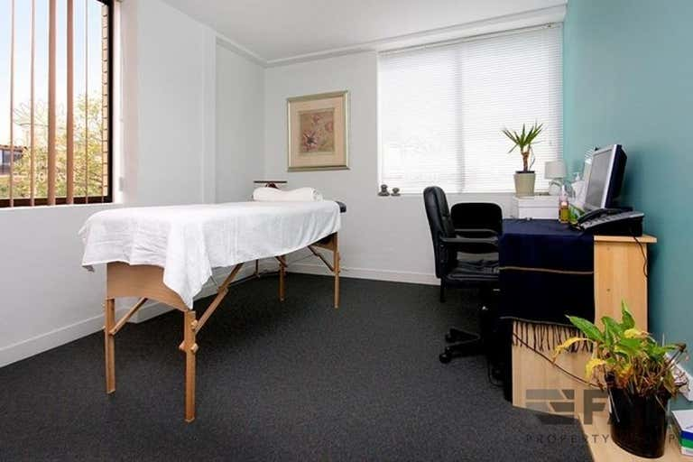 Unit  4, 37 Station Road Indooroopilly QLD 4068 - Image 2