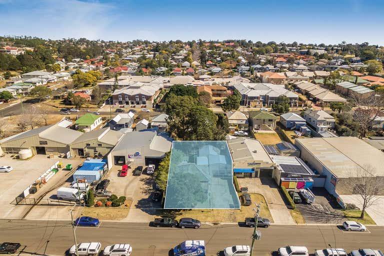 7 Tointon Street Toowoomba City QLD 4350 - Image 2