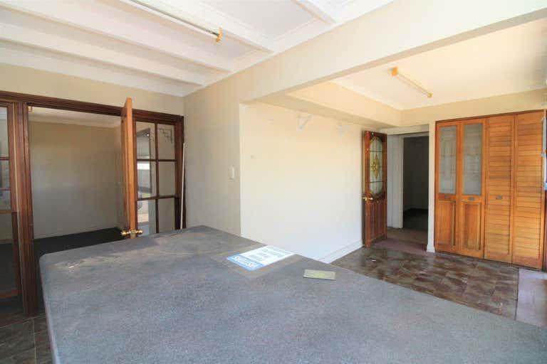 2/139 North Street Harlaxton QLD 4350 - Image 2