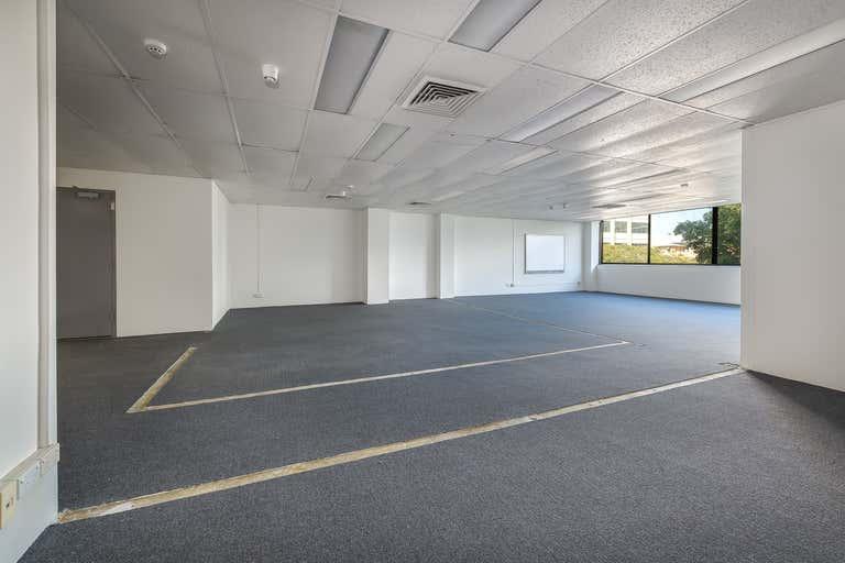 102B / 9 Bay Street Southport QLD 4215 - Image 3