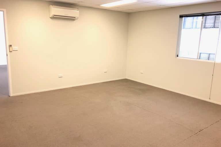 6/54-58 Nealdon Drive Meadowbrook QLD 4131 - Image 4