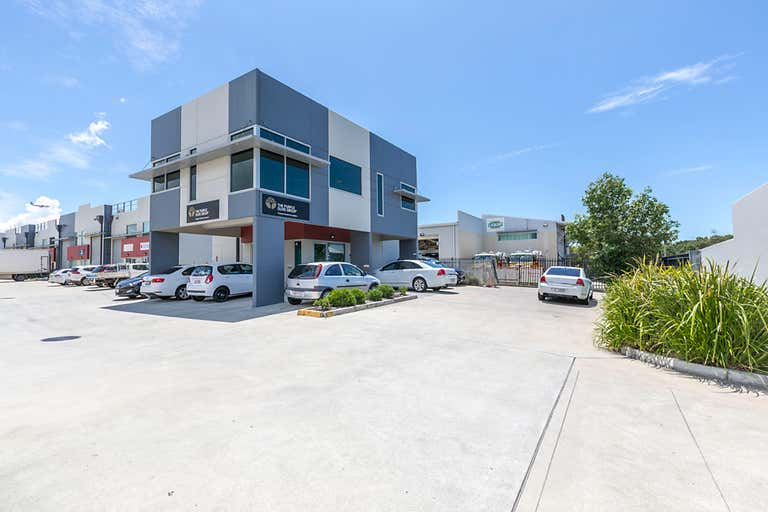 1/720 Macarthur Central Pinkenba QLD 4008 - Image 1