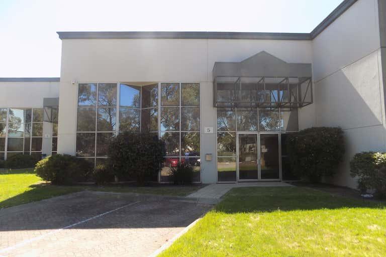 5/42-44 Garden Boulevard Dingley Village VIC 3172 - Image 1