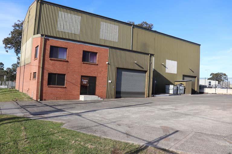 1/5 Glastonbury Avenue Unanderra NSW 2526 - Image 1
