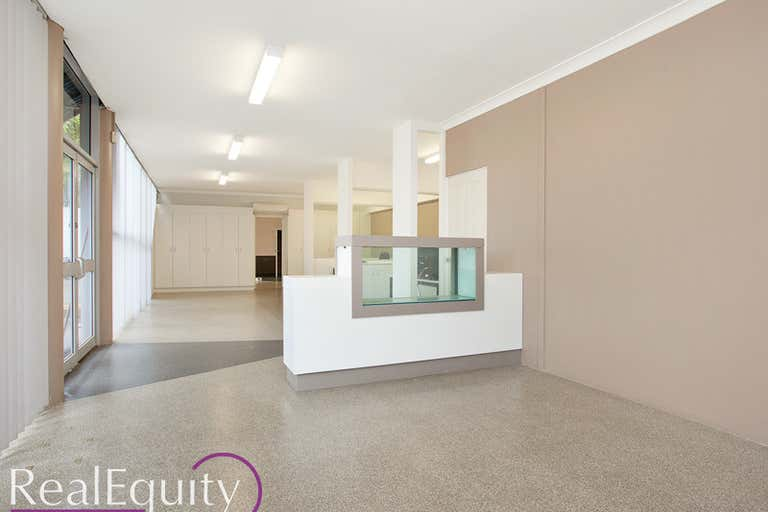 6/5 Cary Grove Minto NSW 2566 - Image 2