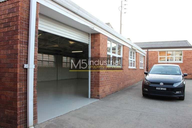 6/21 Stanley Street Peakhurst NSW 2210 - Image 2