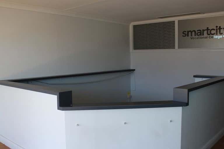 324-326 Ruthven Street Toowoomba City QLD 4350 - Image 2
