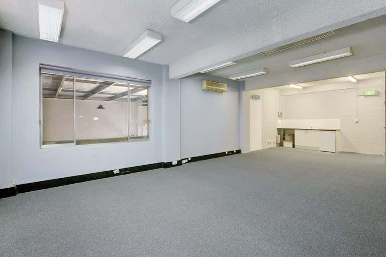 2/35 King Road Hornsby NSW 2077 - Image 2