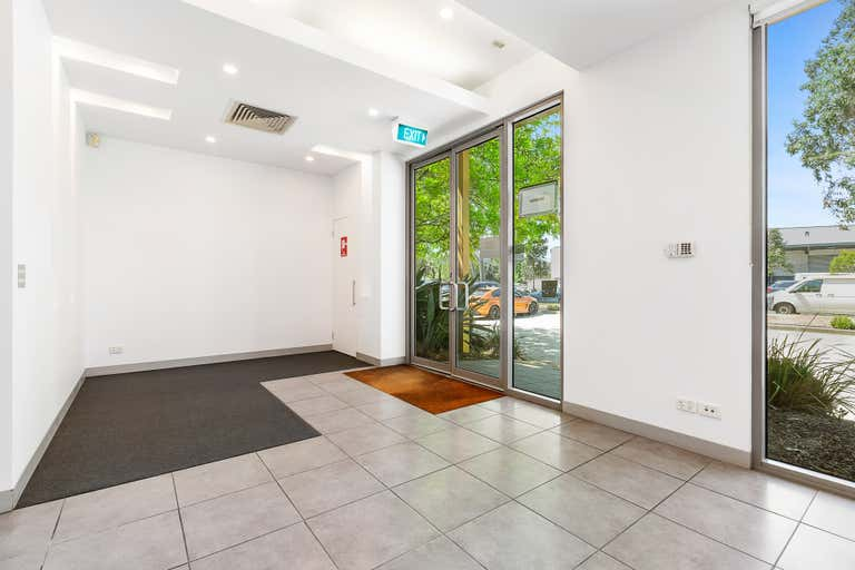 1/11-15 Rocklea Drive Port Melbourne VIC 3207 - Image 2