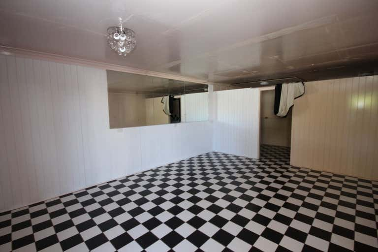 Suite 8, 203 Kings Road Pimlico QLD 4812 - Image 2