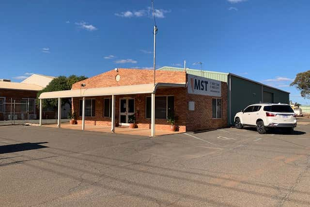 15 Close Way West Kalgoorlie WA 6430 - Image 1