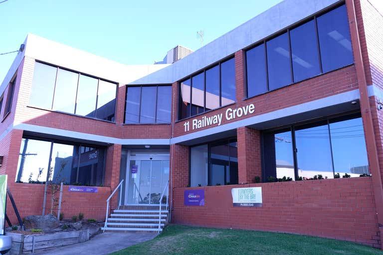 Level Ground Flo, 1 & 2/11 Railway Grove Mornington VIC 3931 - Image 2