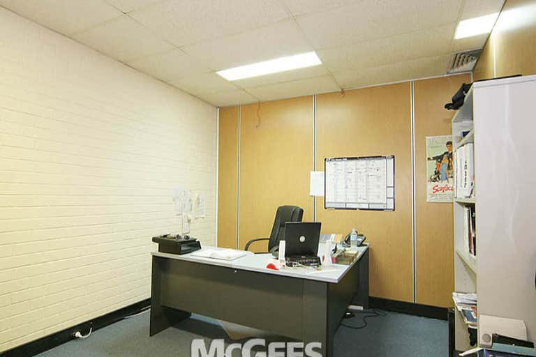 1/220 Boundary Street Spring Hill QLD 4000 - Image 4